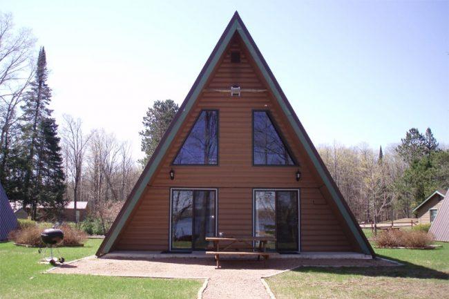 """Готовый """"под ключ"""" дом треугольной формы"""