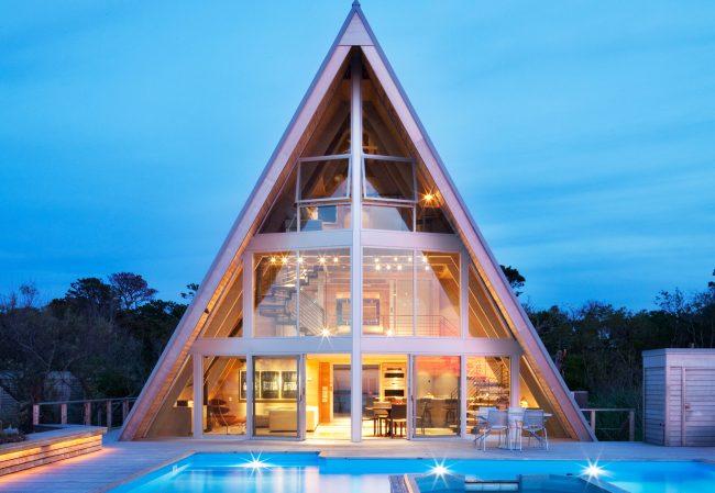 Летний панорамный дом в форме шалаша
