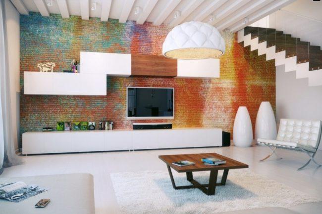 Радужный окрас кирпичной стены в гостиной комнате
