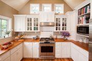 Фото 1 Классическая белая кухня: эстетика минимализма и 85 совершенных в своей простоте вариантов