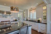 Фото 34 Классическая белая кухня: эстетика минимализма и 85 совершенных в своей простоте вариантов