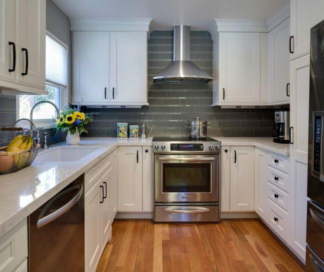 Классическая кухня белая: эстетика, минимализм, 80 фото интерьеров
