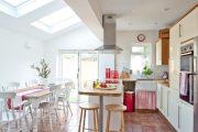 Фото 9 Белая кухня с деревянной столешницей: 70 лучших реализаций в стиле контемпорари, кантри и минимализм
