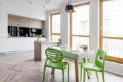 Фото 19 Белая кухня с деревянной столешницей: 70 лучших реализаций в стиле контемпорари, кантри и минимализм