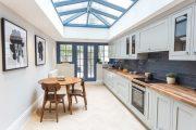 Фото 35 Белая кухня с деревянной столешницей: 70 лучших реализаций в стиле контемпорари, кантри и минимализм