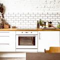 Белая кухня с деревянной столешницей: 70 лучших реализаций в стиле контемпорари, кантри и минимализм фото
