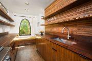 Фото 15 Кухня в деревянном доме: варианты зонирования и 85+ уютных дизайнерских решений