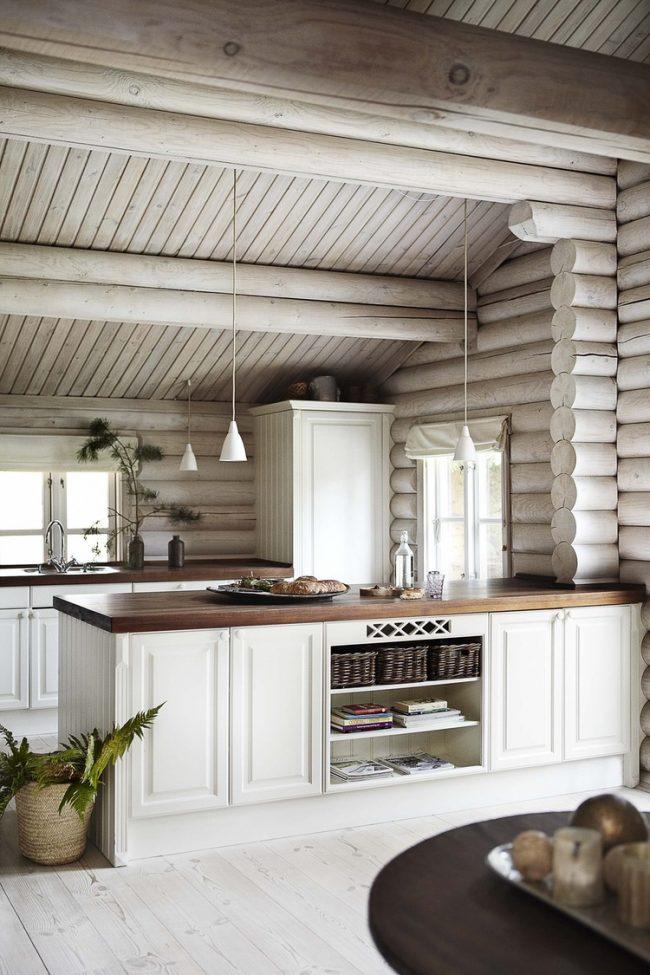 Светлая кухня в скандинавском стиле с элементами дерева