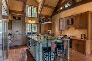 Фото 2 Кухня в деревянном доме: варианты зонирования и 85+ уютных дизайнерских решений
