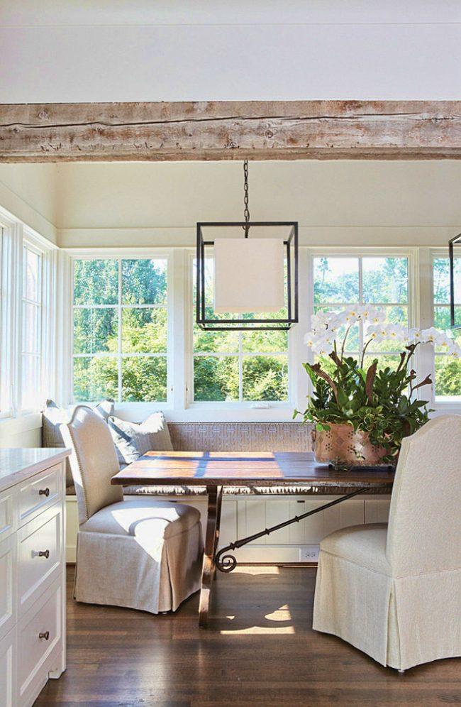 Уютная и светлая кухня в стиле прованс