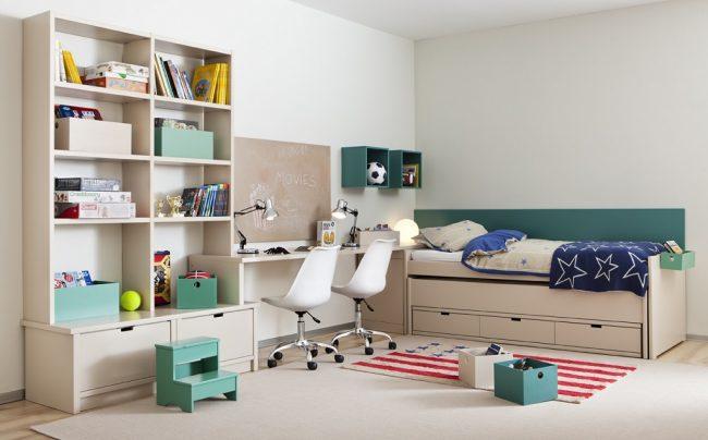 Светлая угловая мебель, изготовленная по индивидуальному заказу