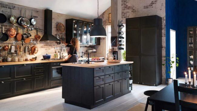 """Темно-серая кухня """"Metod"""" от Ikea с полноценным островом с мойкой"""