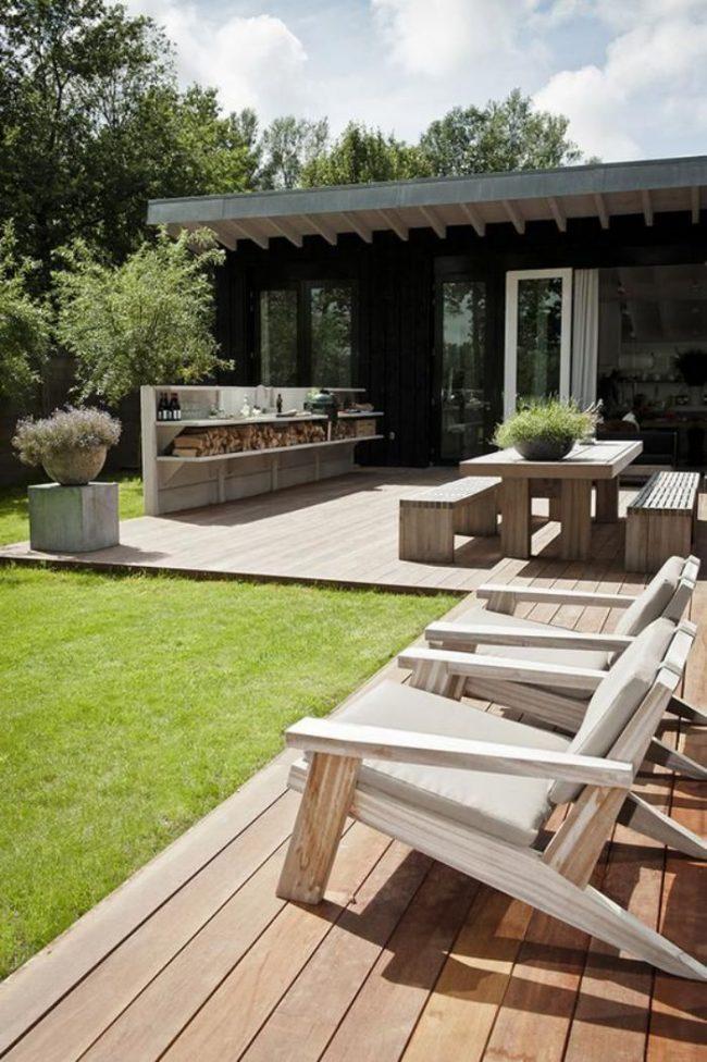 Экологическое оформление террасы одноэтажного загородного дома