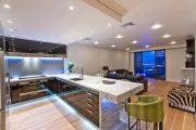 Фото 8 Светодиодная подсветка для кухонных шкафов: как выбрать, особенности монтажа и 65 универсальных идей