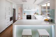 Фото 23 Светодиодная подсветка для кухонных шкафов: как выбрать, особенности монтажа и 65 универсальных идей