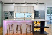 Фото 3 Светодиодная подсветка для кухонных шкафов: как выбрать, особенности монтажа и 65 универсальных идей