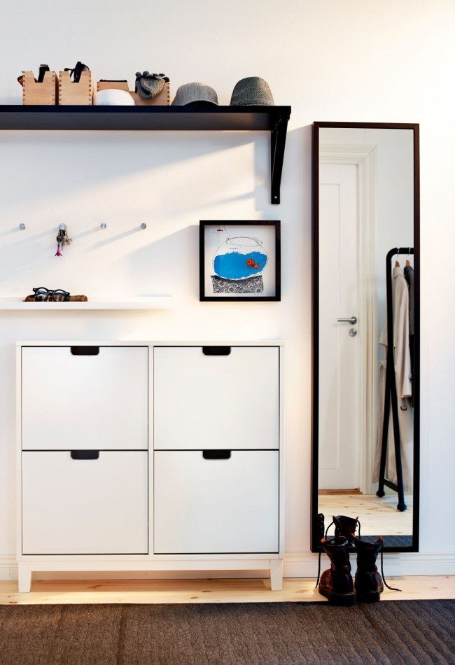 Минимализм в квартирной прихожей небольшого размера