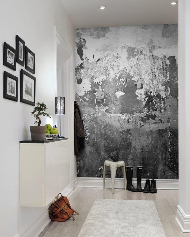 Бетонная стена в прихожей - современный и стильный вариант отделки
