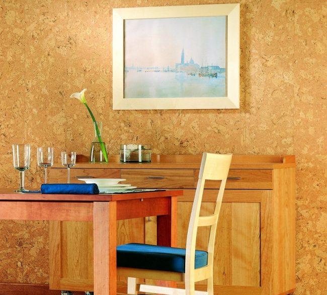 Пробковое покрытие стен отлично подойдет для людей, страдающий аллергией
