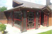 Фото 5 Прозрачные шторы для беседок и веранд: комфорт на даче круглый год и обзор наиболее изящных идей для декора