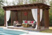 Фото 25 Прозрачные шторы для беседок и веранд: комфорт на даче круглый год и обзор наиболее изящных идей для декора