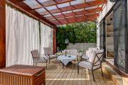 Фото 27 Прозрачные шторы для беседок и веранд: комфорт на даче круглый год и обзор наиболее изящных идей для декора
