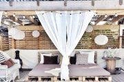 Фото 30 Прозрачные шторы для беседок и веранд: комфорт на даче круглый год и обзор наиболее изящных идей для декора