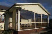 Фото 37 Прозрачные шторы для беседок и веранд (100+ фото): комфорт на даче круглый год и обзор наиболее изящных идей для декора