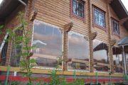 Фото 39 Прозрачные шторы для беседок и веранд: комфорт на даче круглый год и обзор наиболее изящных идей для декора