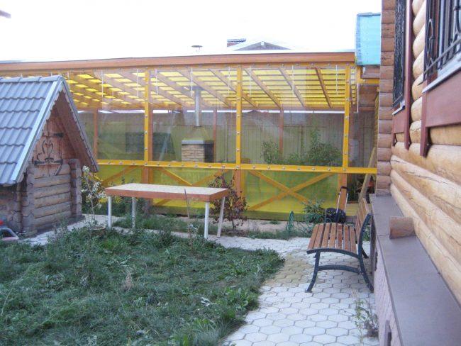 Мягкие окна изготавливаются методом спайки горячим воздухом ПВХ ткани