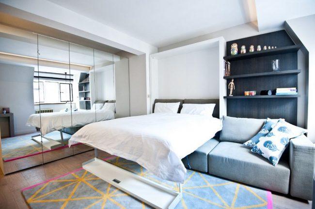 Практичная и комфортная для небольших помещений складная мебель