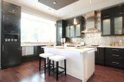 Фото 32 Чем отделать стены на кухне: обзор наиболее практичных и комфортных вариантов