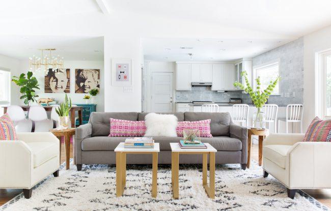 Нейтральные светлые оттенки помогут интерьеру надолго оставаться стильным и практичным