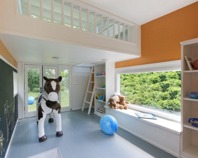 Благодаря своей экологичности пластиковые окна отлично подойдут для детской комнаты