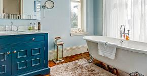 Угловой карниз для ванны: особенности выбора и 75+ функциональных и стильных воплощений фото