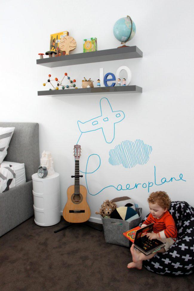 Стена с маркерной поверхностью поможет развить художественные таланты вашего ребенка