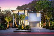 Фото 20 Планировка двухэтажного дома 8 на 8: варианты возведения и 85 лучших готовых проектов