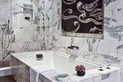 Фото 1 Панно из плитки в ванную: выбор настоящих эстетов и 80 утонченных интерьерных реализаций