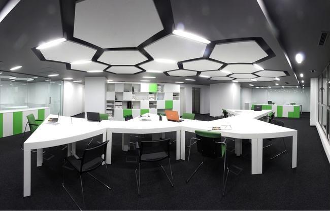 Парящий потолок Optima в интерьере офиса
