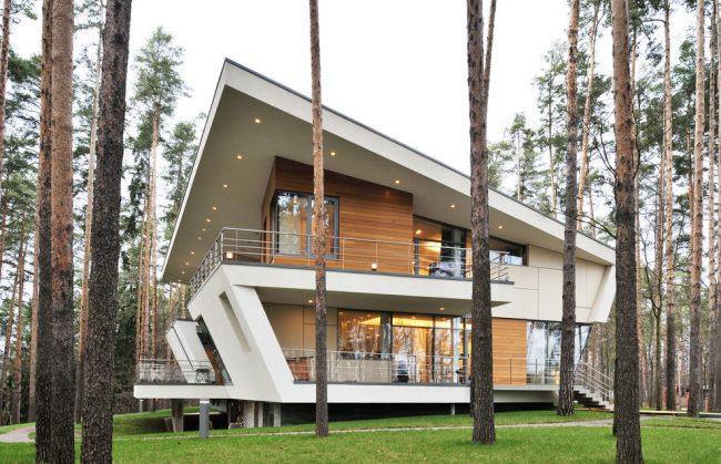 Великолепный загородный дом с деревянной отделкой