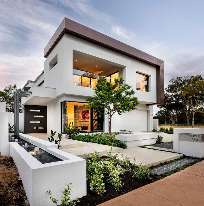 Белоснежный дом из пеноблока