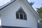 Фото 18 Решетки на окна для дачи: выбор оптимальной конструкции и 70 наиболее элегантных и безопасных вариантов