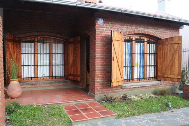 Стационарные металлические решетки для больших дачных окон