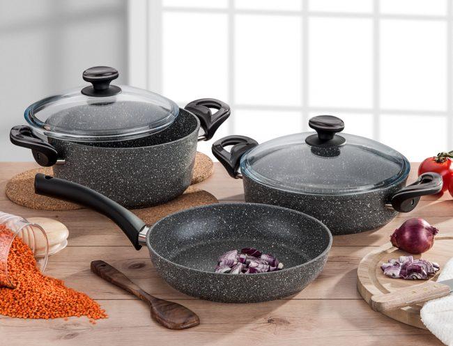 Набор мраморной посуды в стильном черном цвете