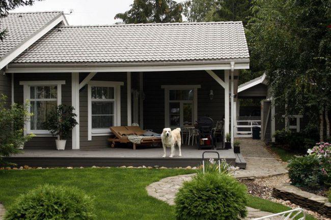 Уютный загородный дом из бруса