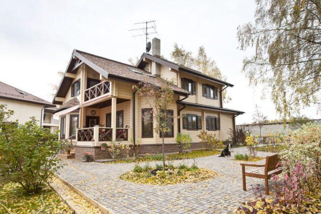 Семейный дом из клееного бруса