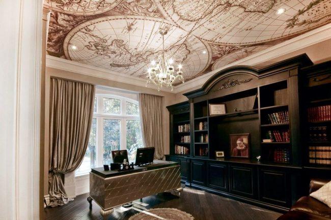 Домашний кабинет с дизайнерским натяжным потолком