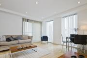 Фото 7 Тканевые натяжные потолки: особенности монтажа и 75 стильных решений для дома