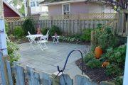 Фото 4 Тротуарная плитка для дорожек на даче: укладка своими руками и 80+ долговечных и оригинальных примеров оформления