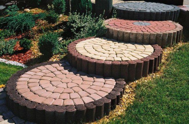 Использование вибропрессованной тротуарной плитки в оформлении садовых дорожек на даче